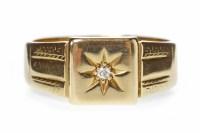 Lot 651 - GENTLEMAN'S EIGHTEEN CARAT GOLD DIAMOND SET...
