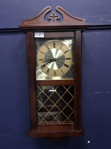 Lot 44 - MODERN WALL CLOCK with quartz movement