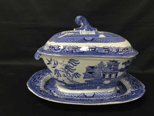 Lot 54 - LOT OF BLUE AND WHITE CERAMICS including...