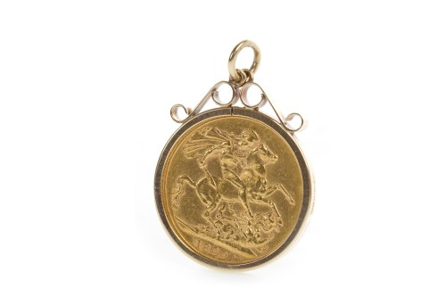 Lot 513-GOLD SOVEREIGN DATED 1899 in a pendant mount,...