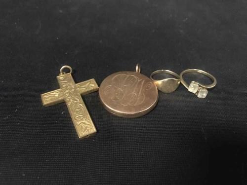 Lot 45-VICTORIAN FIFTEEN CARAT GOLD LOCKET along with a...