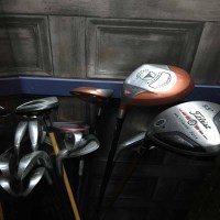 Lot 88-LOT OF MODERN LEFT HANDED GOLF CLUBS