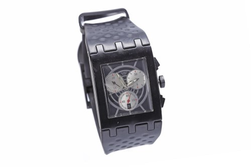 Lot 856-GENTLEMAN'S SWATCH LIMITED EDITION JAMES BOND 'DR ...