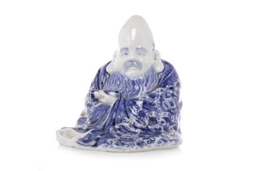 Lot 1041-MID 20TH CENTURY CHINESE BLUE AND WHITE FIGURE...