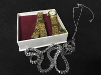 Lot 6-GOOD LOT OF COSTUME JEWELLERY