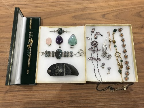 Lot 4 - COLLECTION OF SILVER AND COSTUME JEWELLERY...