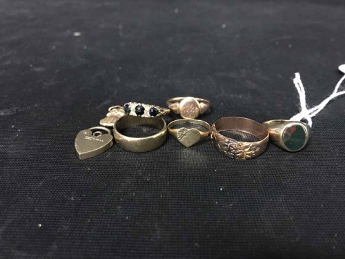 Lot 6-LOT OF GOLD ITEMS including nine carat rings etc.