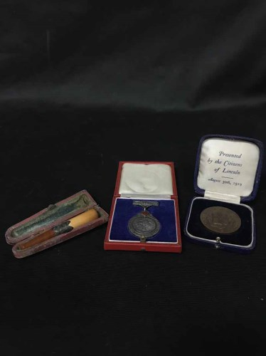Lot 8-GROUP OF VARIOUS 20TH CENTURY MEDALS, COINS AND...